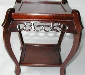 カリン香炉台の修理・唐木家具修理