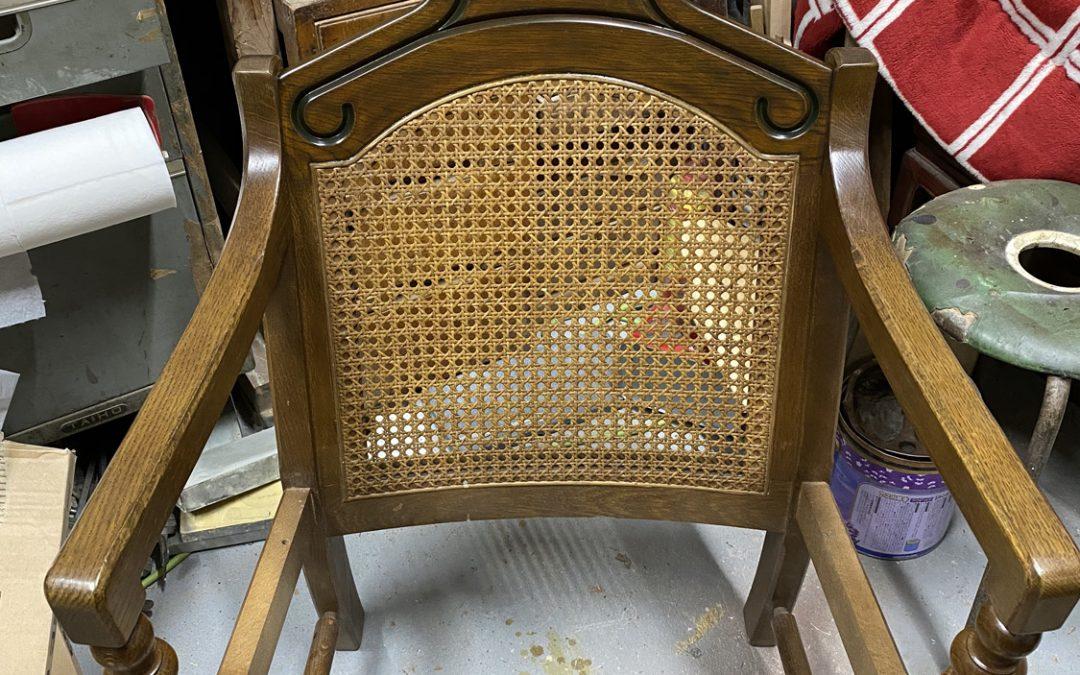 家具修理ー椅子の背もたれ修理