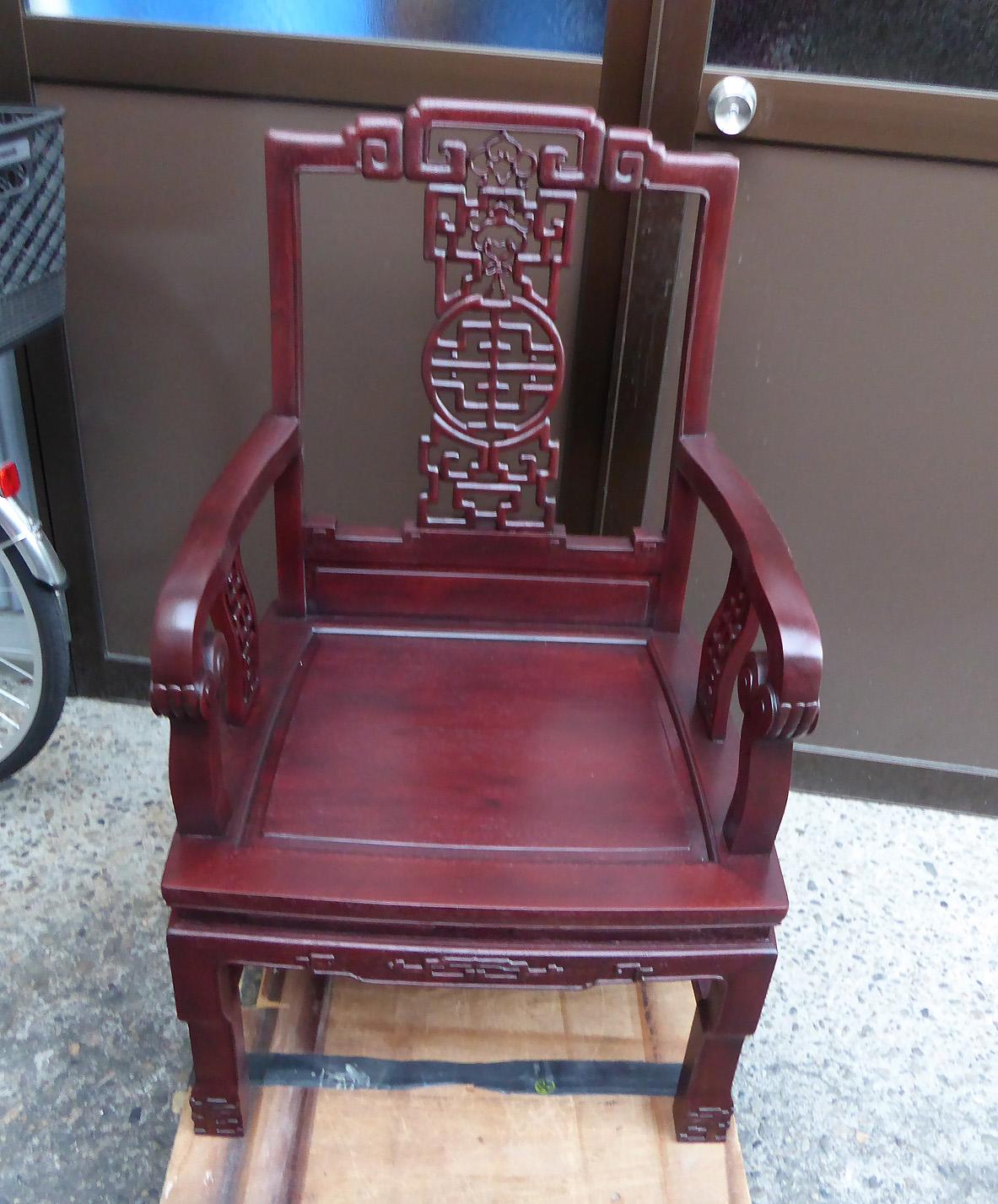唐木家具工芸品修理ーカリン椅子の修理、塗り替え