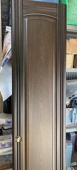 家具修理ー洋服たんす扉の修理