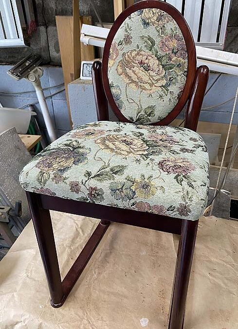 家具修理ードレッサー椅子座面貼り替え