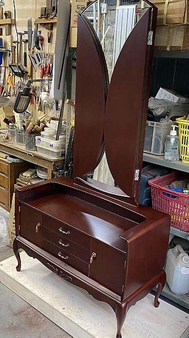 家具修理ー鏡台(三面鏡)の修理