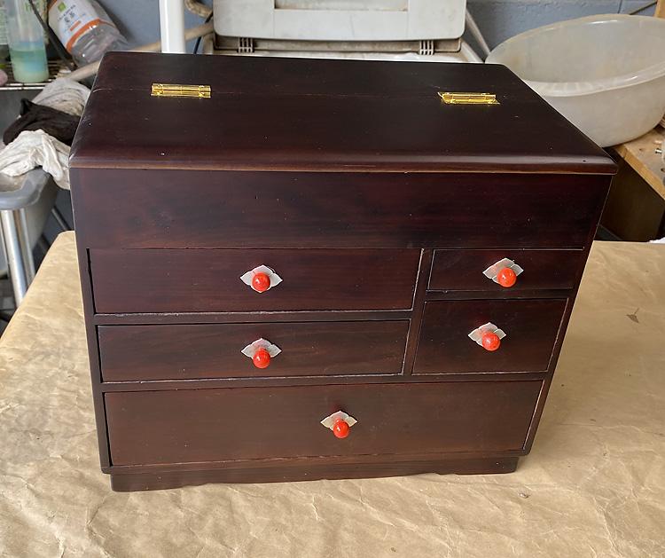 家具修理ー針箱の修理塗り替え